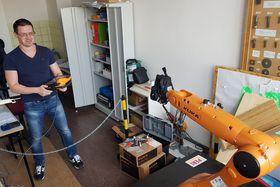 Roboter für den Gebrauch im Bauwesen werden auch an der Technischen Hochschule in Prag entwickelt (Foto: Petr Kološ, Archiv des Tschechischen Rundfunks)