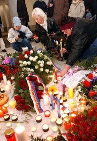 Prague - the fourteenth anniversary of the Velvet Revolution, photo: CTK