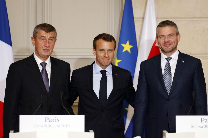Andrej Babiš, Emmanuel Macron et Peter Pellegrini, photo:  ČTK / Regis Duvignau, Pool Photo via AP