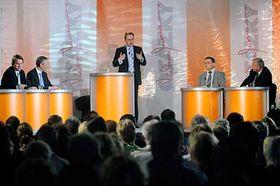 Zleva: Martin Bursík, Cyril Svoboda, Václav Moravec, Lubomír Zaorálek aMiloslav Ransdorf, foto: ČTK
