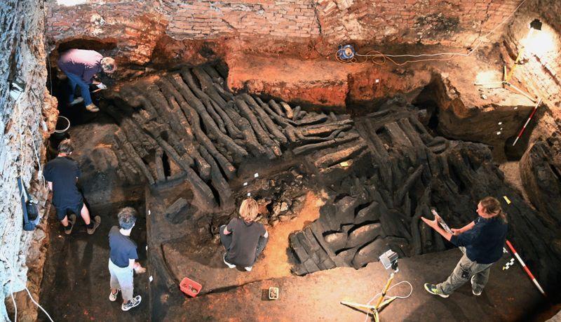 Pozůstatky středověké hradby vBřeclavi, foto: ČTK / Igor Zehl