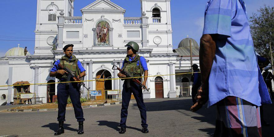 Серия взрывов прогремела на Шри-Ланке во время Пасхи, фото: ЧТК / АП / Эранга Джаявардена