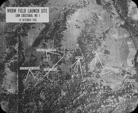 Luftaufnahme der Raketenstellung nahe San Cristóbal während der Kubakrise (Foto: National Archives, John F. Kennedy Presidential Library and Museum, Public Domain)