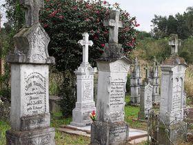 Friedhof in Linha Imperial mit den Gräbern der Auswanderer aus dem Gebiet Gablonz, bzw. Friedland (Foto: http://remix.nicm.cz)