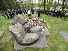 La cérémonie de commémoration des victimes roms de l'Allemagne nazie organisée au mémorial de Lety, photo: ČTK