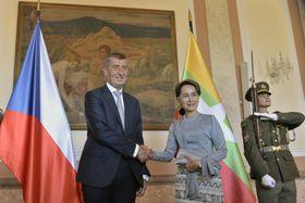 Andrej Babiš et Aung San Suu Kyi, photo: ČTK/Michaela Říhová