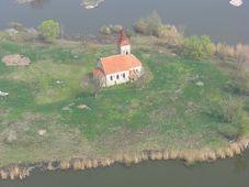 Mušovský kostel, foto: Lallilah, Wikimedia CC BY-SA 4.0