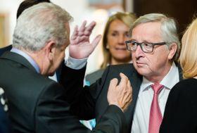 Жан-Клод Юнкер (справа) и Димитрис Аврамопулос, Брюссель, Фото: ЧТК