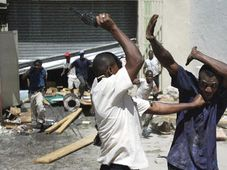 Riot in Haiti, photo: CTK