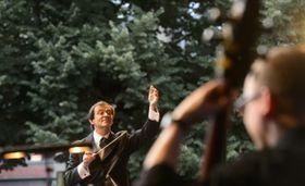 Marcello Rota y la Orquesta Nacional Checa, foto: ČTK