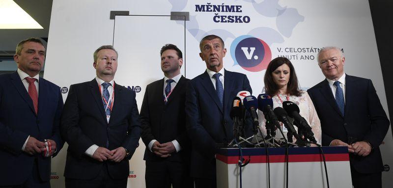 Petr Vokřál, Richard Brabec, Radek Vondráček, Andrej Babiš, Jaroslava Pokorná Jermanová y Jaroslav Faltýnek, foto: ČTK / Ondřej Deml