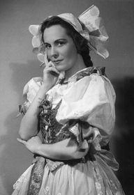Pěvkyně Jarmila Novotná vroli Mařenky, foto: Národní muzeum