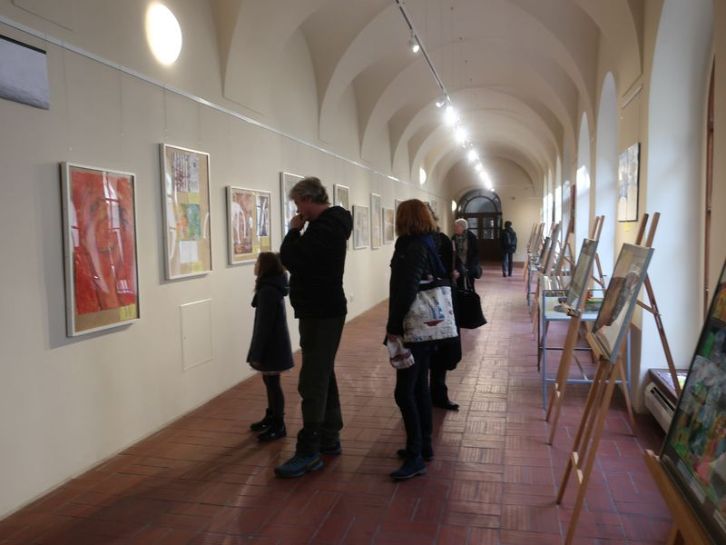 Ausstellung im Kreuzgang des Franziskanerklosters (Foto: Martina Schneibergová)