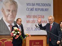 Miloš Zeman ve svém volebním štábu, foto: ČTK