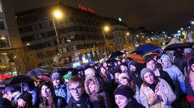 """""""Eine Million Augenblicke für die Demokratie"""" (Foto: Martina Schneibergová)"""