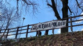 Sign with message to Polish people (March 2020), photo: Czech Radio
