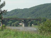 Le « Pont de l'intelligence » à Braník, photo: Lovecz, public domain