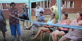 Typická zábava na táboře pro seniory, foto: YouTube, kanál Adély Markové