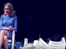 Aufführung 'Mitleid' der Schaubühne Berlin (Foto: YouTube Kanal der Schaubühne Berlin)