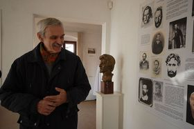 Милош Лапка в музей-квартире Карела Гинека Махи в городе Литомержице (Фото: Эва Туречкова, Чешское радио - Радио Прага)