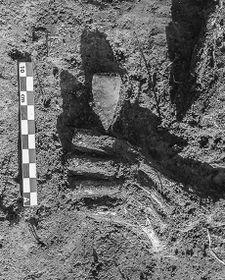 Le détail de l'une des tombes, photo: Yann Béliez / Labrys, o.p.s.