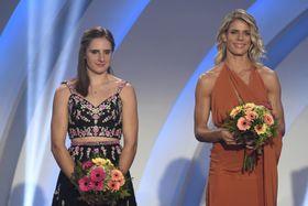 Lada Vondrová (a la izquierda) y Nikola Ogrodníková, foto: ČTK / Vít Šimánek