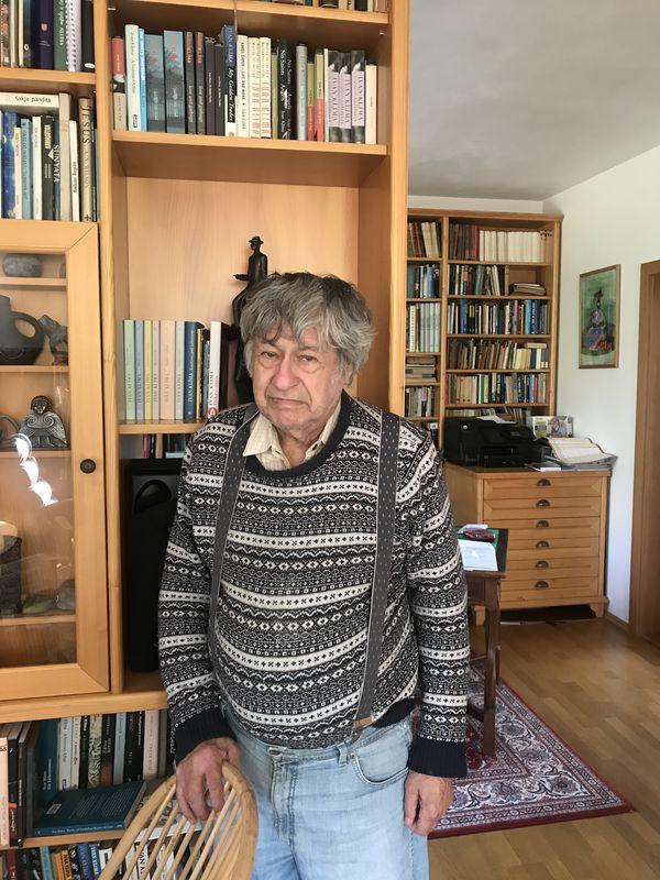 Ivan Klíma en su casa, foto:  Juan Pablo Bertazza