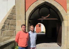 Дмитрий Еремеев с сыном, Фото: Катерина Айзпурвит, Чешское радио - Радио Прага
