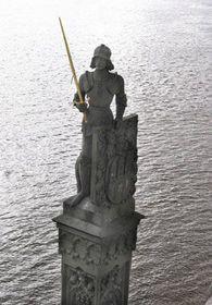 Socha Bruncvíka na Karlově mostě