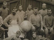 "Fuente: Catálogo de exposición ""Jan Felkl & syn. Továrna na glóby/Jan Felkl & son, a Globe-Making Factory"""