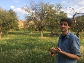 производитель сидра Яхим Клемент в саду Збраславского замка, фото: Ева Свободова