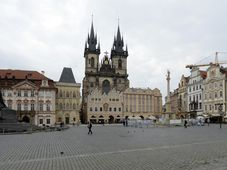 La colonne à la Vierge a été réinstallée à la place de la Vieille-Ville, photo: ČTK/Kateřina Šulová