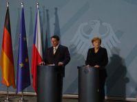 Canciller de Alemania, Angela Merkel y su homólogo checo, Jiri Paroubek (Foto: Gerald Schubert)