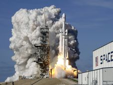 Launch of SpaceX's Falcon Heavy, photo: CTK