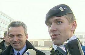 Karel Kühnl y Jaroslav Grund (a la derecha), foto: ČT24