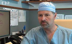 Хирург Богдан Помагач (Фото: ЧТ24)