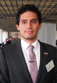 Julio Ubillús-Ramírez,  el segundo secretario de la Embajada del Perú en la RCh
