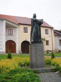 Monumento a Hus en Husinec, foto: Kateřina Oratorová