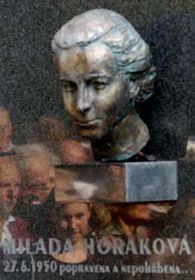 Pomník Milady Horákové na Vyšehradském hřbitově, foto: ČTK