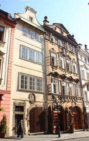 La maison Valkounský et la maison voisine à la Coupe d'or à la rue Nerudova, foto: Štěpánka Budková