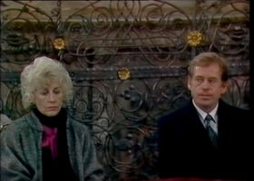Václav Havel et son épouse Olga à la messe célébrée par le cardinal Tomášek le 29 décembre, 1989, photo: YouTube