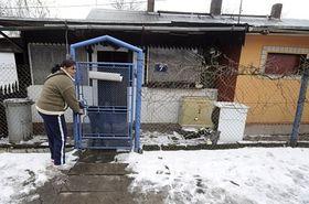 El cóctel Molotov entró por la ventana de la izquierda, foto: ČTK