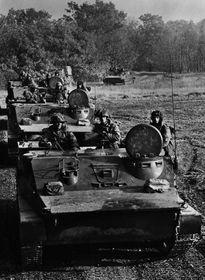 Los ejercicios militares de las tropas del Pacto de Varsovia en las montañas de Šumava, foto: VHÚ
