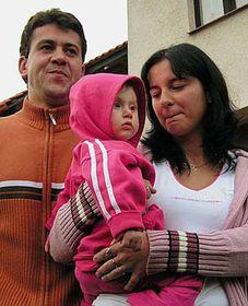 Jaroslava Trojanová y Libor Broza con su propia niña (Foto: CTK)