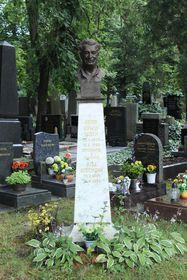 Egon Erwin Kischs Grab auf dem Friedhof Vinohrady in Prag (Foto: Jan Polák, CC BY-SA 3.0)