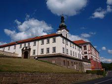 Schloss Zákupy (Foto: VitVit, Wikimedia Commons, CC BY-SA 3.0)