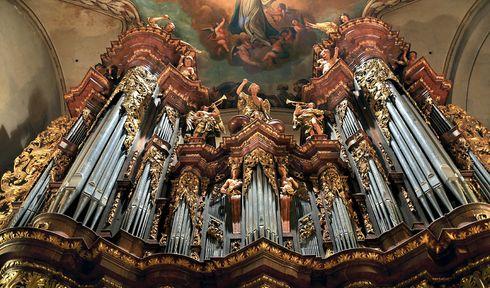 L'orgue de la basilique Saint-Jacques-Le-Majeur, photo: Anton Fedorenko, CC BY-SA 3.0