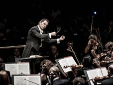 Tugan Sokhiev et l'Orchestre National du Capitole de Toulouse, photo: Marco Borggreve, Site officiel du Festival du Printemps de Prague