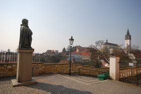 Памятник Карелу Гинеку Махе в городе Литомержице (Фото: Эва Туречкова, Чешское радио - Радио Прага)