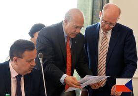 Ян Младек, Хосе Анхель Гурриа и Богуслав Соботка , фото: ЧТК